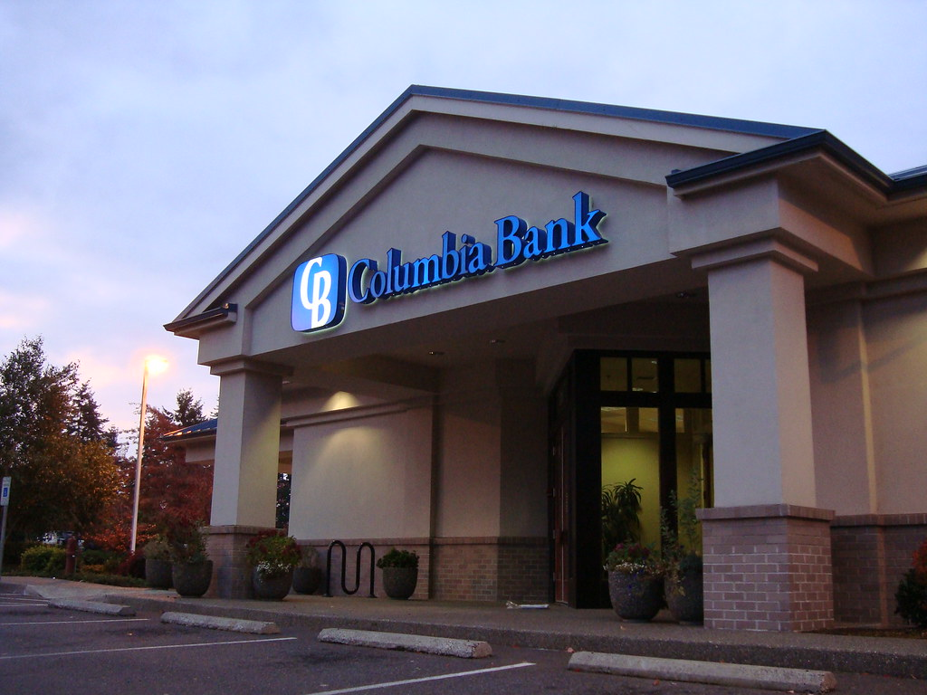 Exterior bank design bank exterior upgrade bank logo b for Bank designs architecture