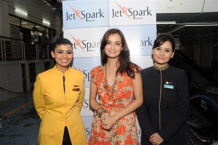 Dia mirza flanked by jet airways jetlite cabin crew memb for Korean air cabin crew requirements