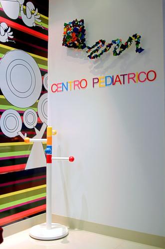 Consultorio pediatrico perchero y mural grafico flickr - Percheros infantiles de pared ...