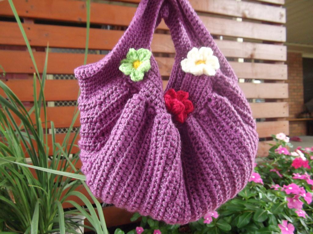 Free Crochet Patterns Fat Bottom Bag : fat bottom bag Bend Beanies bag pattern angelala242 ...