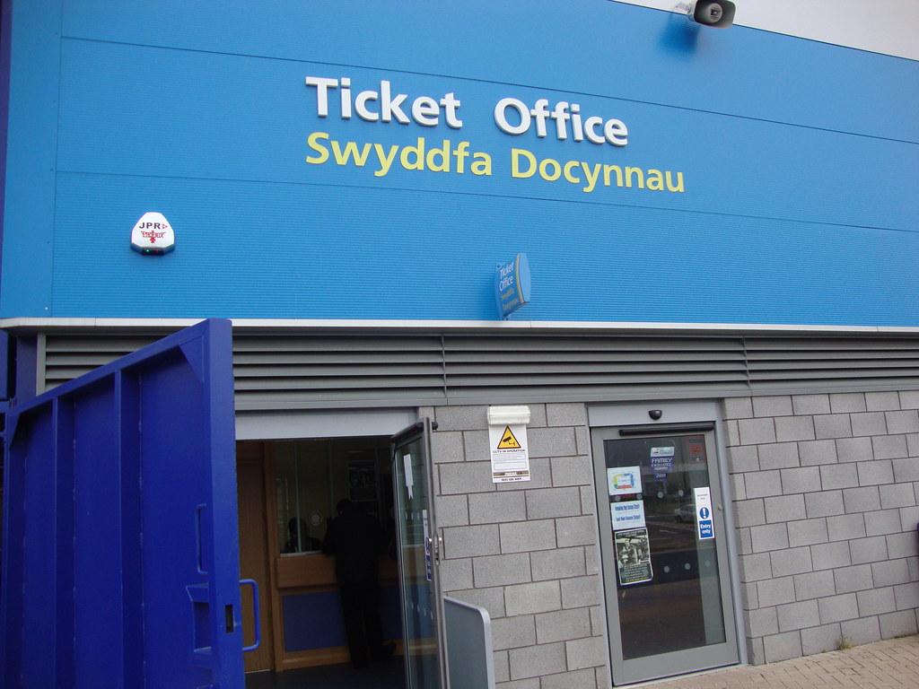 Ticket office cardiff city stadium leckwith ronaldaroo flickr - Cardiff city ticket office number ...