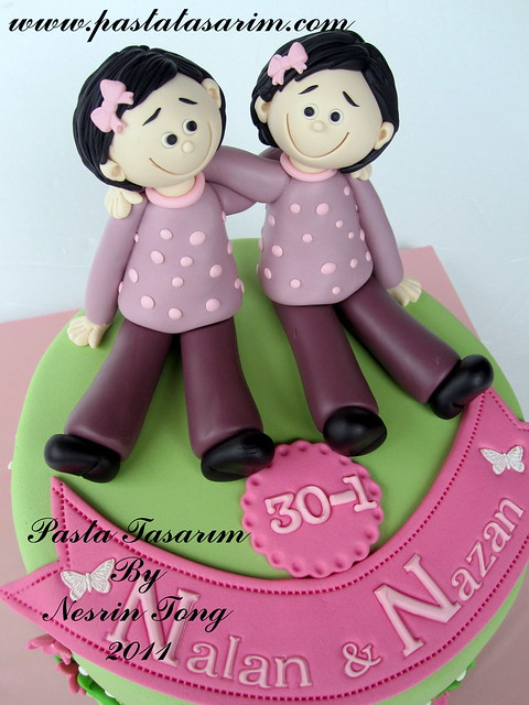 Cake Ideas For Sisters Birthday : TWINS SISTERS BIRTHDAY CAKE Flickr - Photo Sharing!