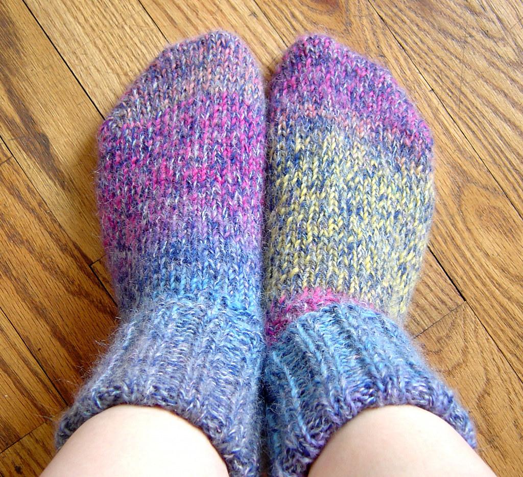 Free Knitting Loom Patterns For Beginners : Fuzzy wuzzy wool socks super warm that i knit