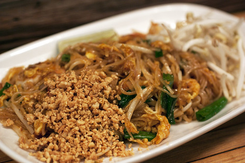 pad thai @ pure thai shophouse | by bionicgrrrl