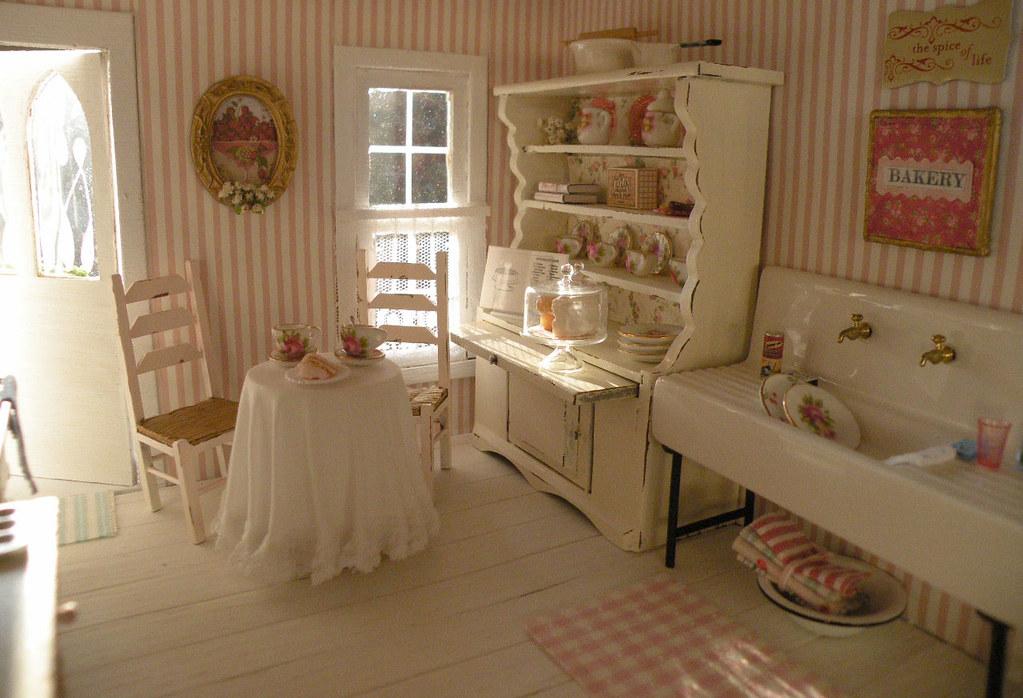 Shabby chic vintage kitchen cynthiascottagedesign flickr - Habitaciones shabby chic ...