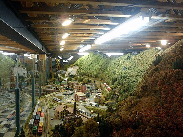 Model Train We Went To A Little Mall Place At The
