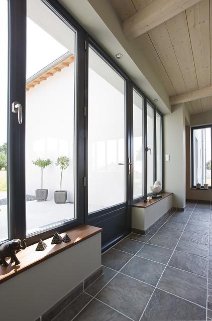 Fen tres et portes fen tres en aluminium de couleur for Fenetre janneau