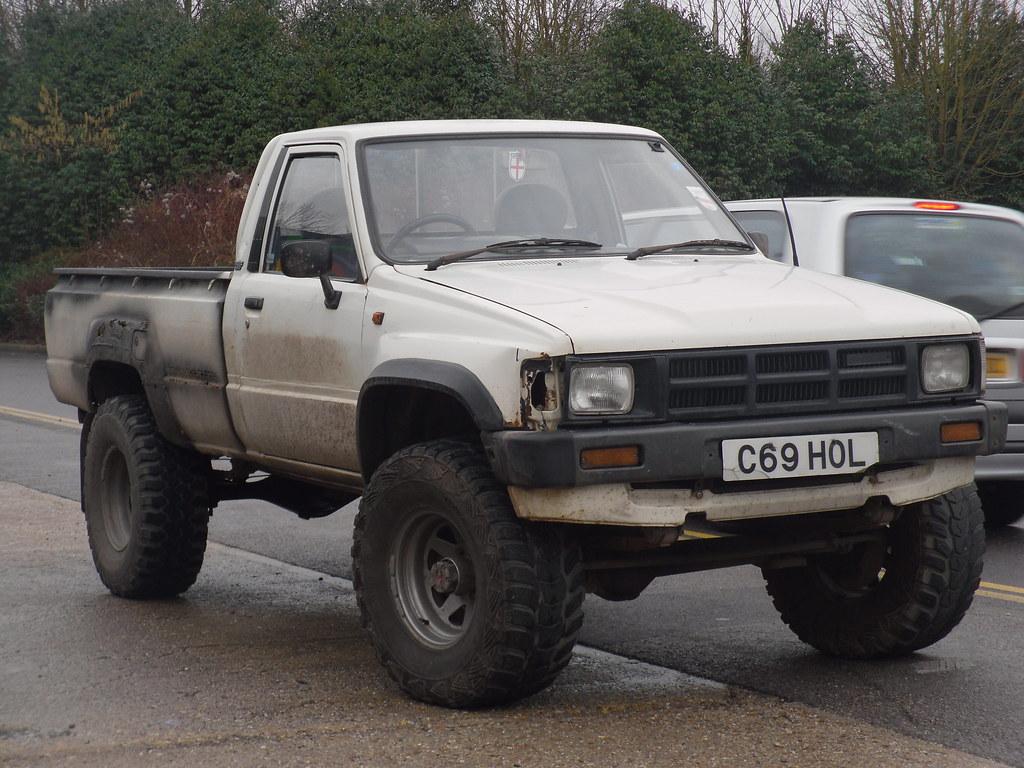 1985 toyota hilux 4x4 diesel pickup still see the odd old flickr. Black Bedroom Furniture Sets. Home Design Ideas