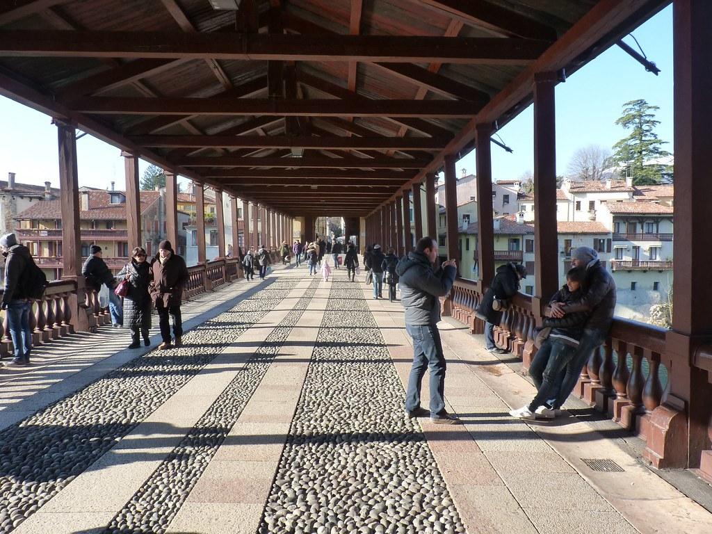 Bassano del grappa vi il celebre ponte di bassano for Arredamenti bassano del grappa