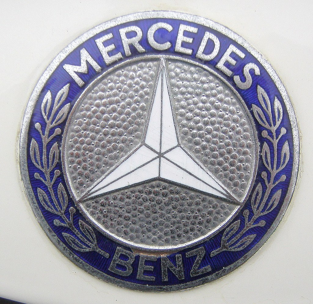 59bbf079468aebc9768b46bc 35 likewise 3 also Drifting Telescope Fov RDyNoW9pQPAQg as well Manmerciveco in addition Scania Gripen Punainen. on logo mercedes