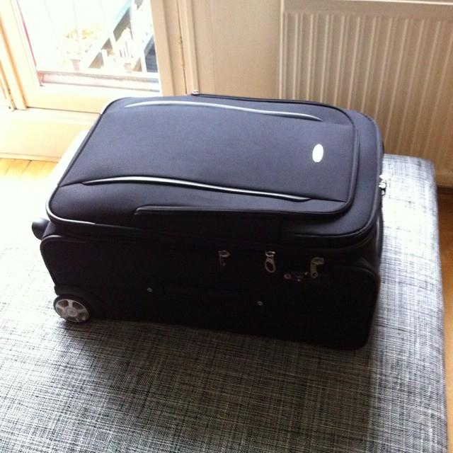 koffer tas gekocht voor sf 80 liter samsonite met harmoni. Black Bedroom Furniture Sets. Home Design Ideas