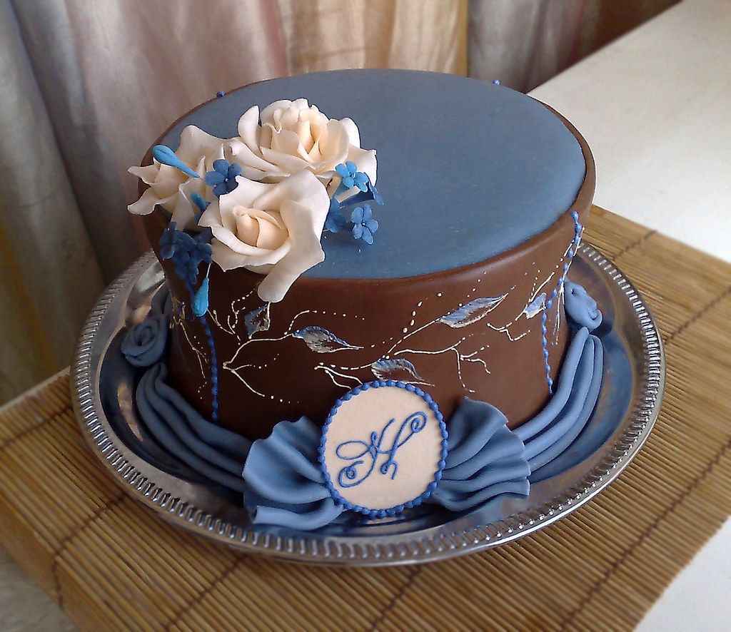 monogram and sugar flowers cake inspired by Toba Garrett ...