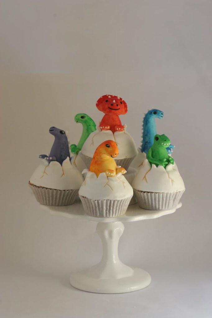 Hatching Baby Dinosaur Cupcakes Sarah Eberhardt Flickr