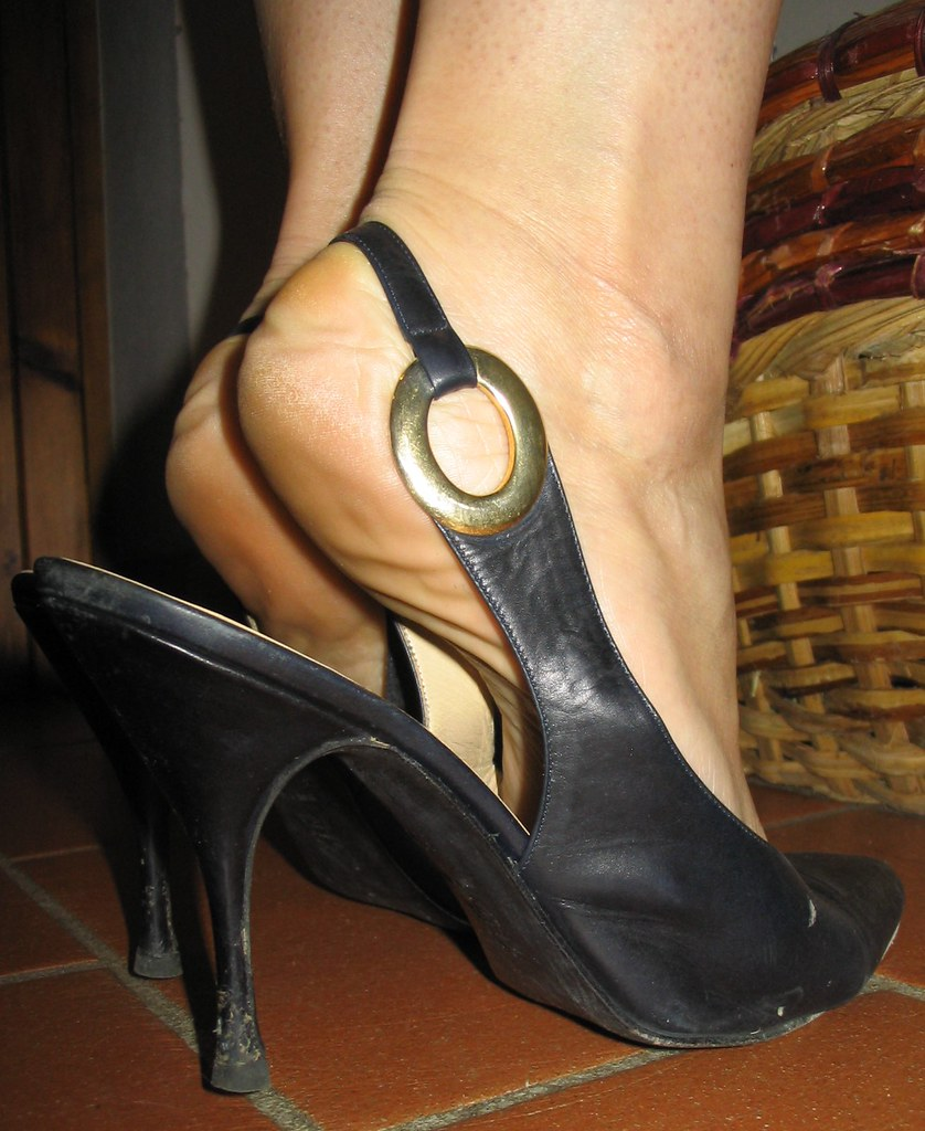 Sara S Heels And Arches In Very Old Slingbacks I Love So