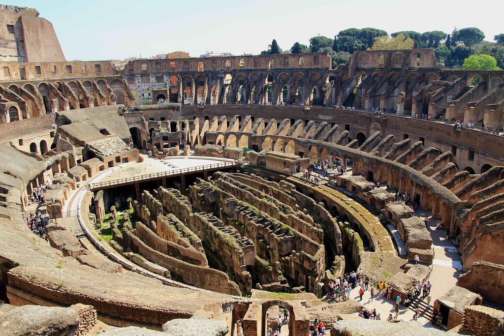 Interno Del Colosseo Dal Terzo Anello Roma Con Vista
