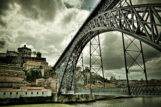 A ponte é uma passagem para a outra margem ...   The bridge is a gateway to the other  side ... | by ♥Fernanda2727♥
