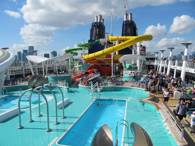 Norwegian epic aqua park and epic plunge flickr for Epic pool show
