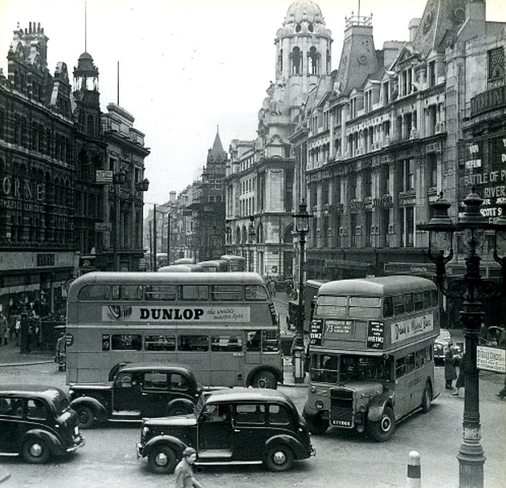 081-Tottenham Court Road/Oxford Street Junction In The 195