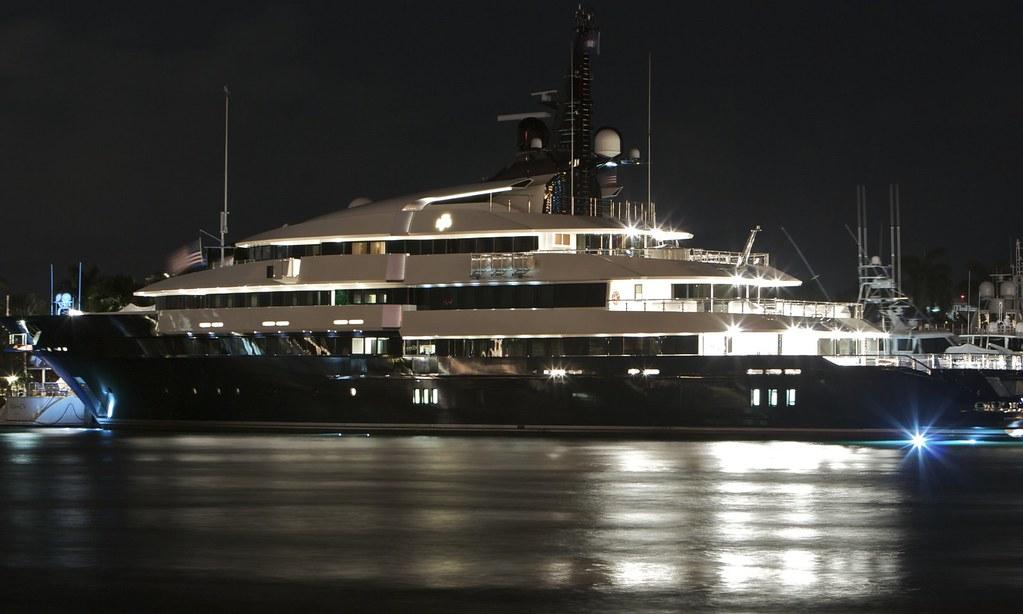 Seven seas yacht steven spielberg 39 s new yacht seven for Motor yacht seven seas