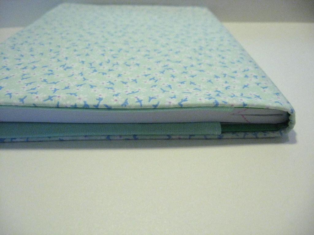 capa de caderno diy passo passo : Capa de tecido para caderno Tutorial em: comofaz.net ...