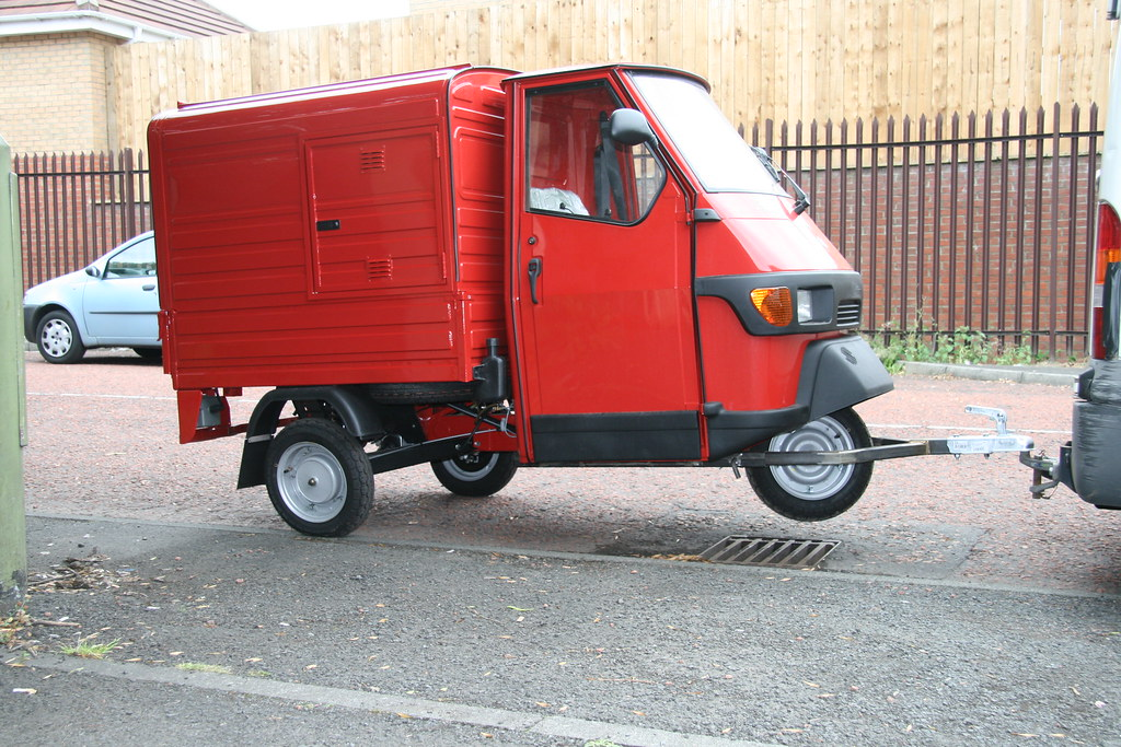 red piaggio ape 50 on tow towing the piaggio ape 50 could flickr. Black Bedroom Furniture Sets. Home Design Ideas