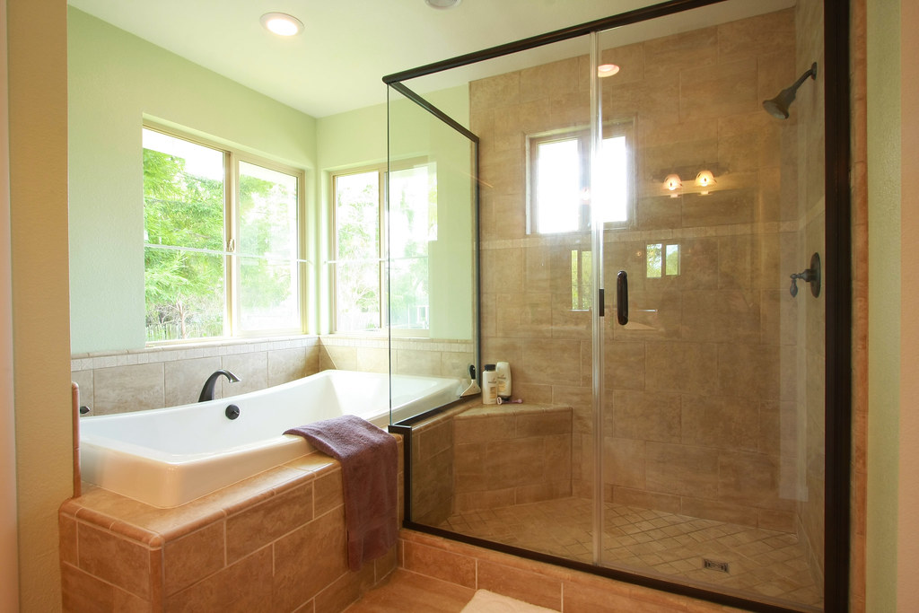 Incroyable How To Make Your Bathroom Look Bigger After Remodeling. By Michelle  Gonzalez. Bath Tub Remodel