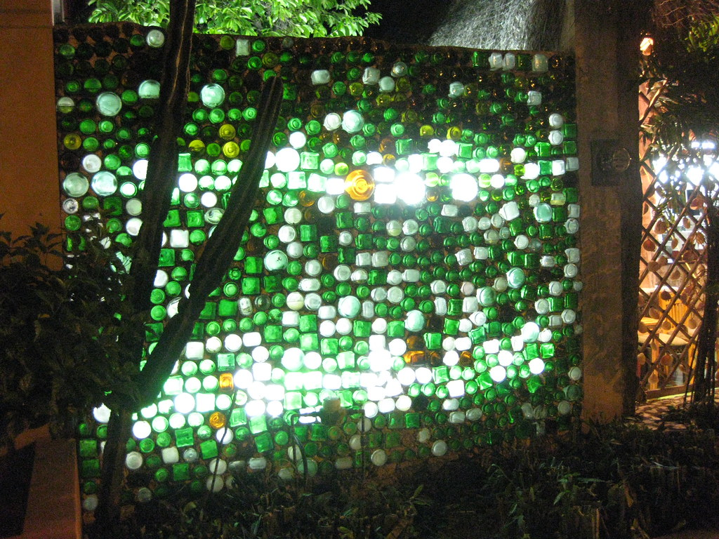 how to build a glass bottle garden wall