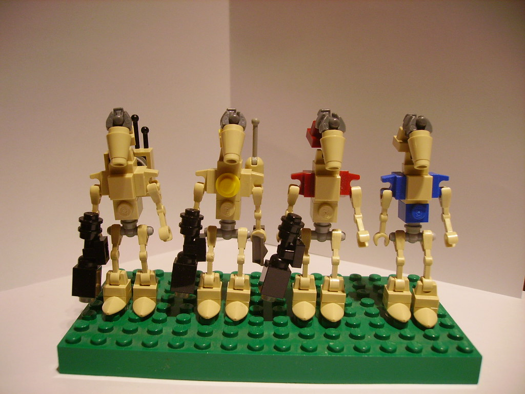 Star Wars Droids >> B1 and OOM series battle droids   I finally have enough tan …   Flickr