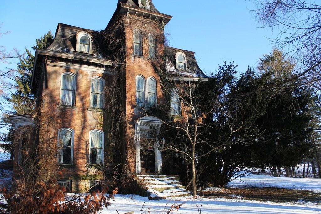 historic house along route40 centerville pa  photo2