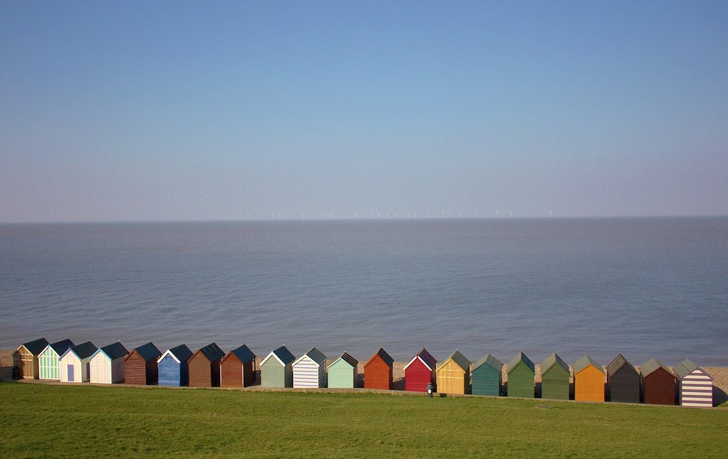 herne bay beach huts kent uk beach huts at the end. Black Bedroom Furniture Sets. Home Design Ideas