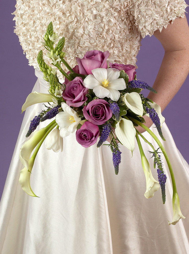 Contemporary Bridal Bouquet | Contemporary bouquets are ...