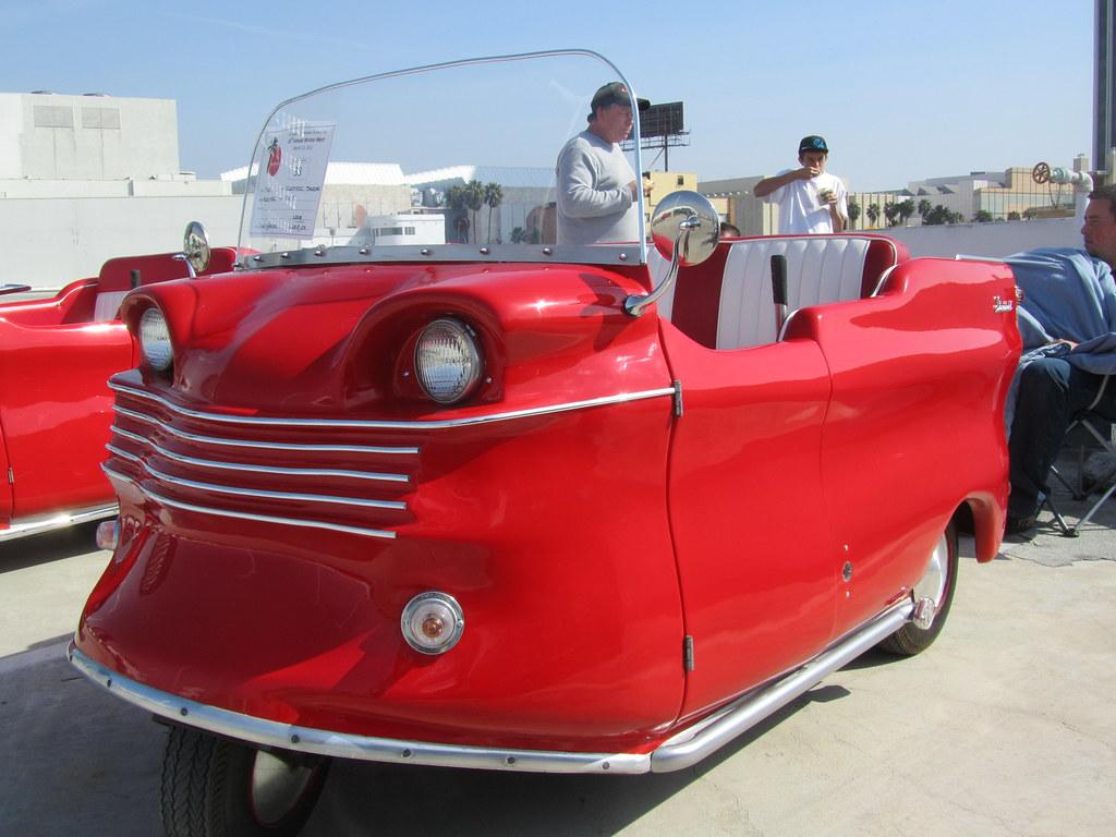 Electric Shopper - 1960   Small Electric Three-Wheel Car Clu ...