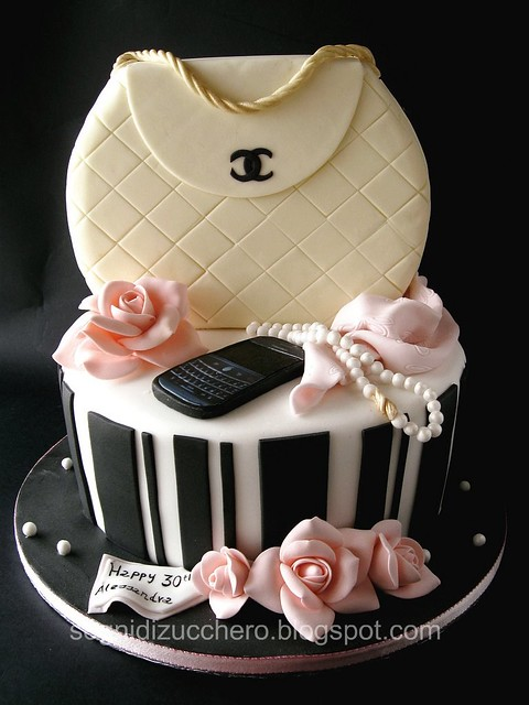 Chanel bag cake tutorial