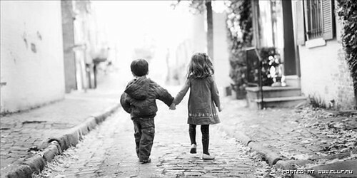 Black and white children kid love photo cute holding hands - Black and white love pictures ...