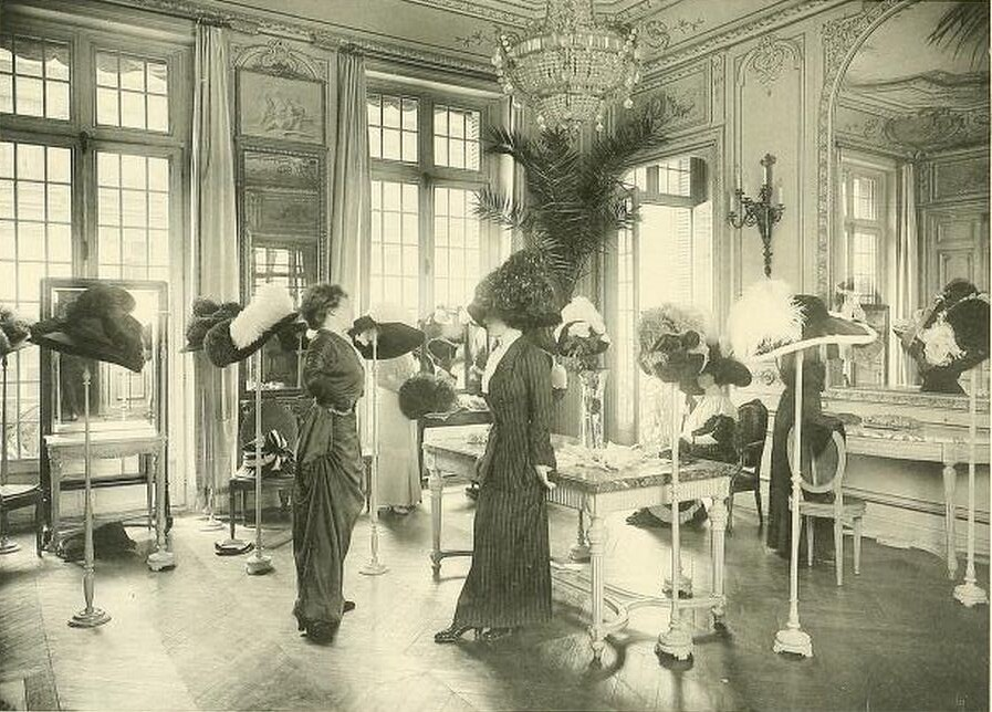 Les createurs de la mode 1910 56 salon de vente chez m for Salon de la deco paris