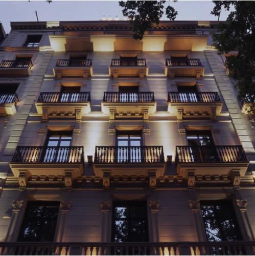 Fachada de noche hotel atrium palace barcelona exterior for Noche hotel barcelona