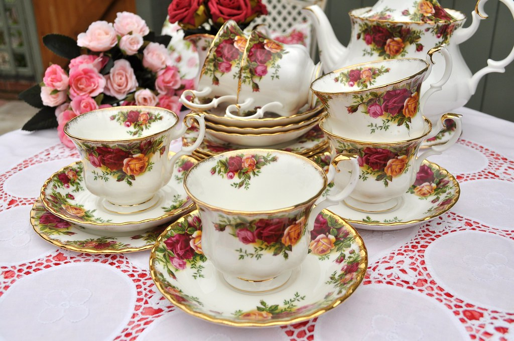 Vintage Royal Albert Teacups And Saucers Tea Set Royal