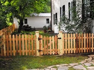 Western Red Cedar Picket Fence With Gate Theodore Milk