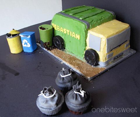 Garbage Truck Cake Pan