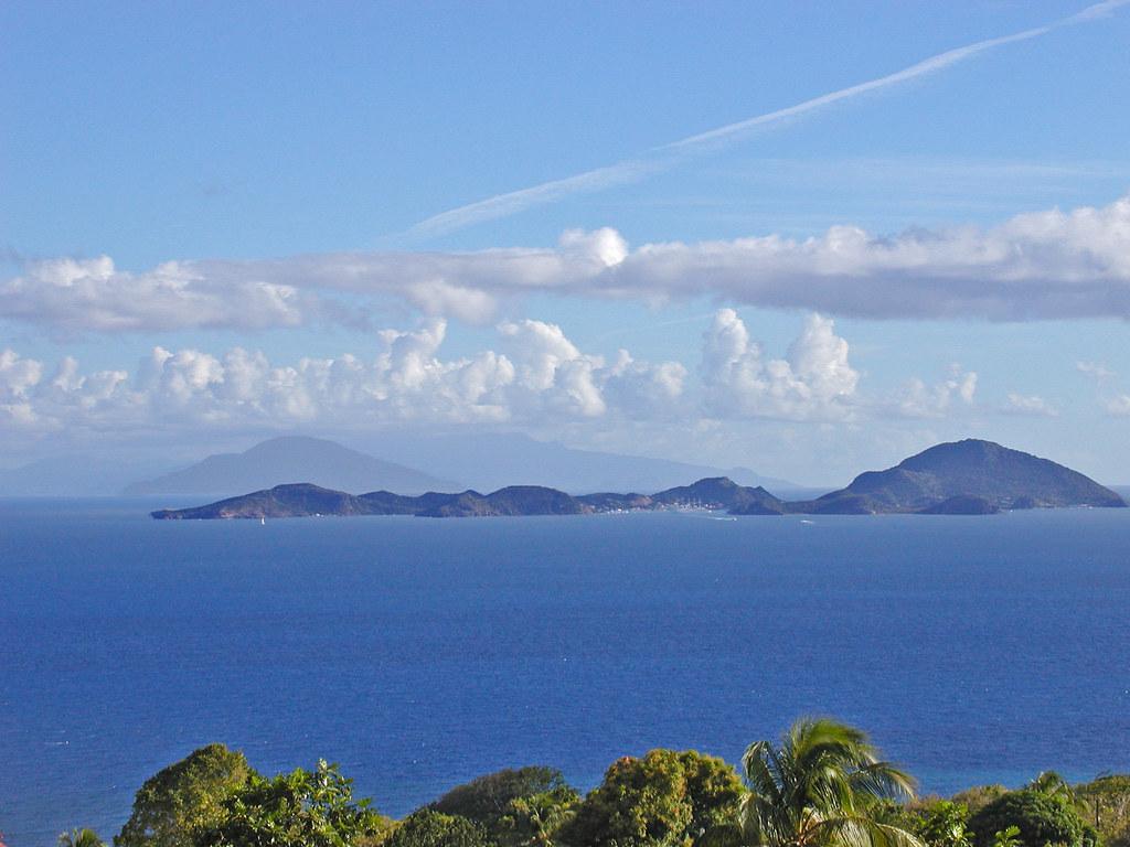 Guadeloupe vue sur les saintes les saintes au large for Au jardin des colibris guadeloupe