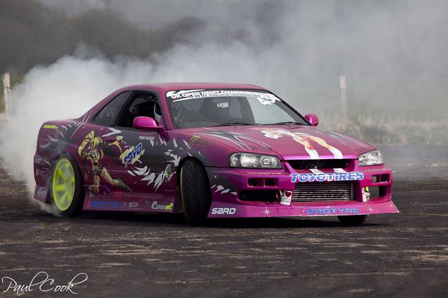 Drifting pink r34 skyline | Cook24v | Flickr