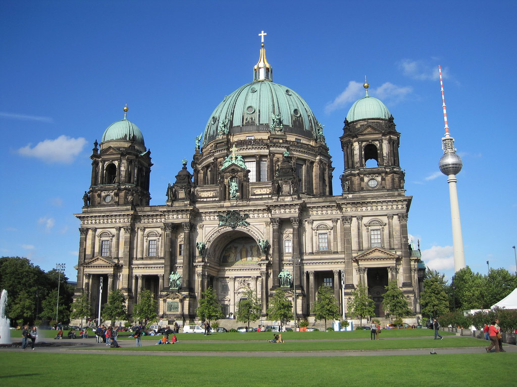 der berliner dom der dom von berlin an einem strahlenden s flickr. Black Bedroom Furniture Sets. Home Design Ideas