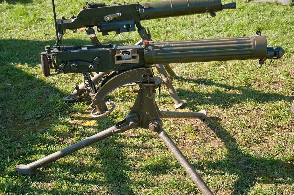 maxim machine gun ww1