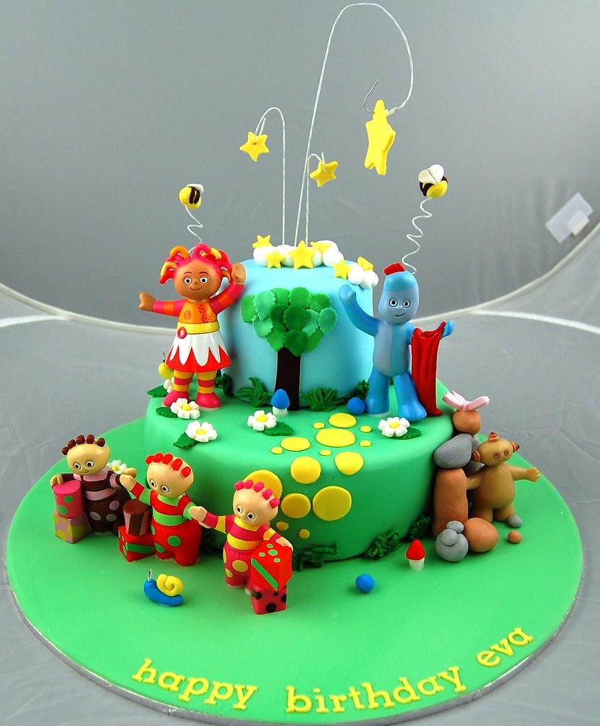 Cake Decorating Plastic Figurines : Night Garden Cake plastic figurines with fondant ...