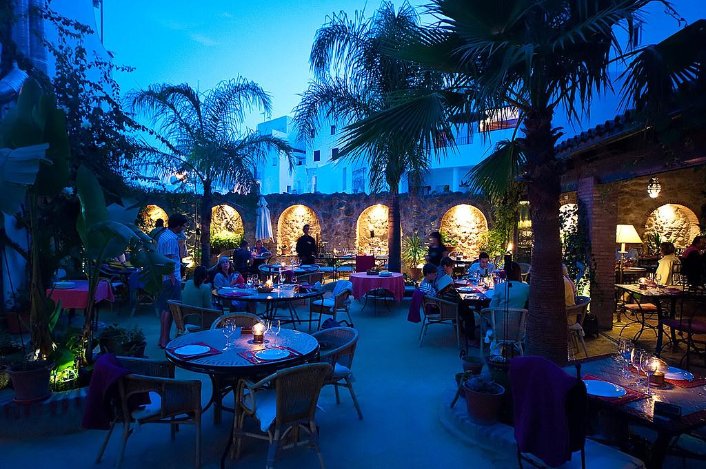 Hotel la casa el jardin del califa vejer de la frontera a for El jardin del califa precios
