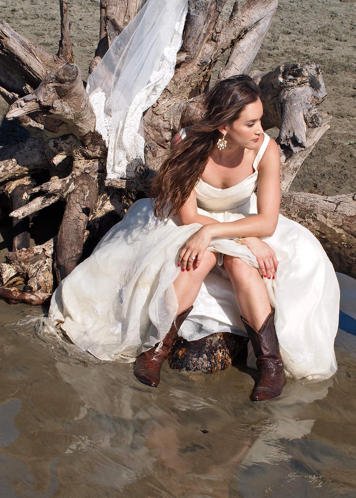 Image Result For Cowgirl Style Wedding