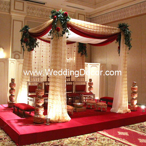 Mandap Red Gold Amp Ivory A Wedding Mandap In Red Gold