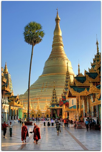 Spiritual Wonder of the World | Shwedagon Paya (Pagoda) | Yangon | by I Prahin | www.southeastasia-images.com