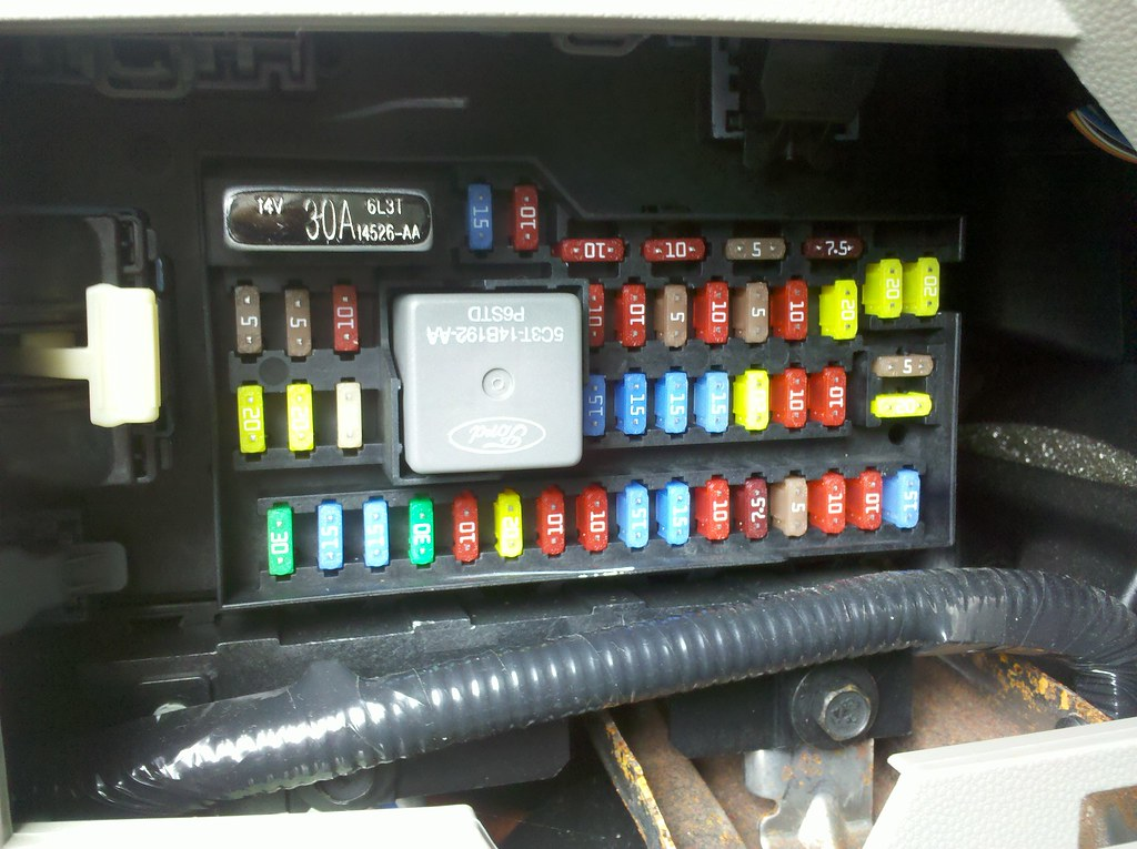 2009 ford escape hybrid interior fuse box sync usb reset flickr