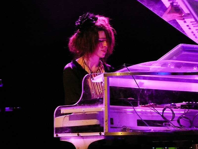 Imogen Heap Speeding Cars: Imogen Heap At The Dunstan Playhouse, April